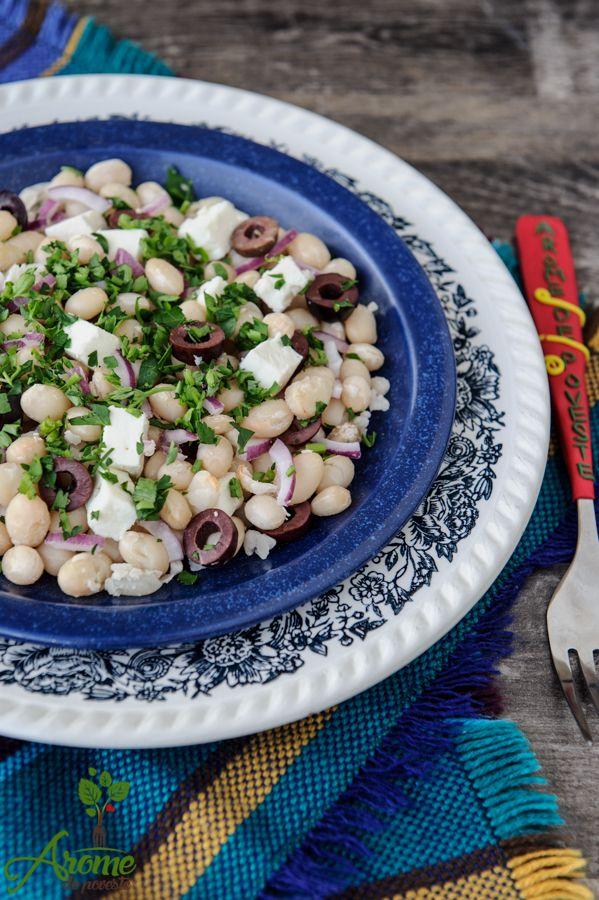 Salata de fasole cu masline si branza feta