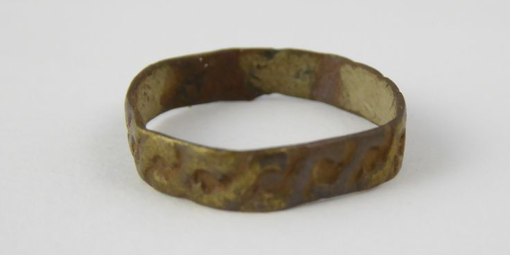 Ancient Roman Empire Antique Metal Signet Ring with Celtic Design Size K 1/2 - The Collectors Bag