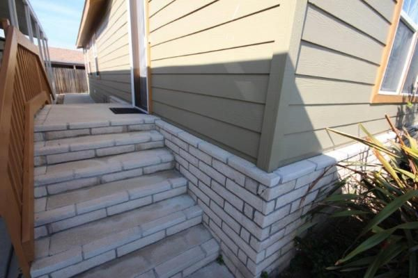 Mobile Homes Brick Skirting With Matching Brick Steps
