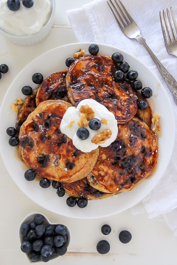 Whole Wheat Greek Yogurt Blueberry Pancakes made in one bowl! Click through for the recipe. Bakerbynature.com