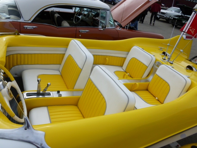 How About That For A Cool Vintage Boat Interior It