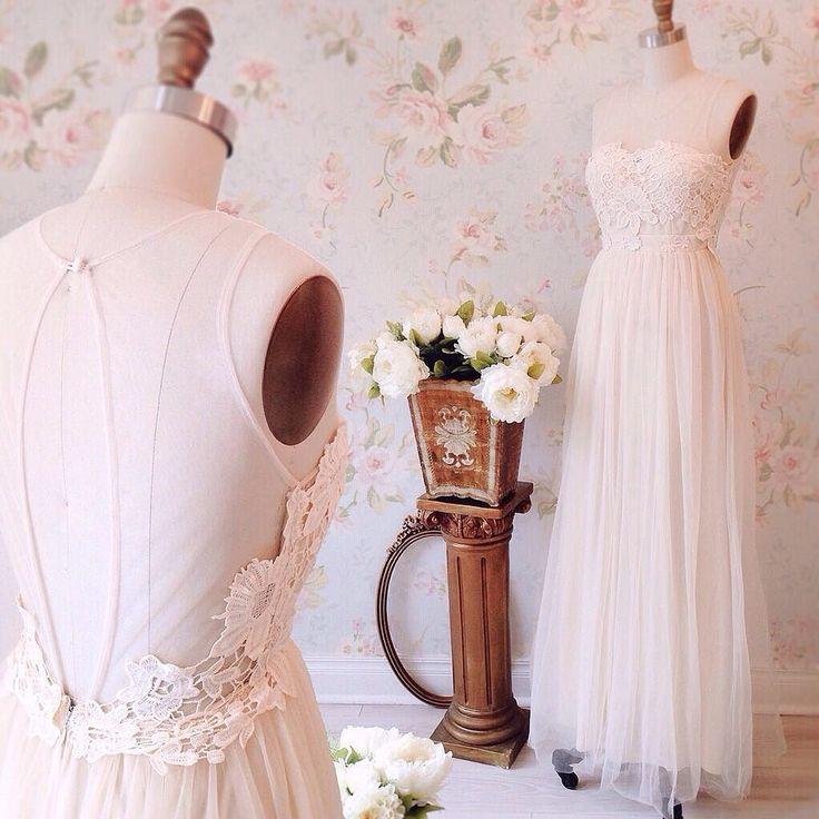 Naïla   8 nouveautés ! Disponible en 3 couleurs au / Available on www.1861.ca Découvrez notre boutique soeur @lpgarconne / Discover our sister boutique Si un item vous plaît cliquez sur le lien dans le profil / If you love an item click the link in the profile #boutique1861  #bridetobe #weddingoutfit  #bohemianstyle  #mtl #mtlmoments #ootdcanada  #lacedetails #weddingdress #promdress #bridesmaids