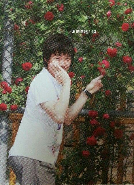 """""""Oh Meu Deus! Olha a flor!""""  Desculpa vc roubou toda minha atenção Suginha..."""