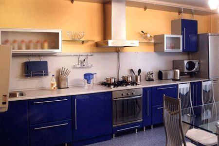 Royal blue kitchen design carved wood kitchen cabinets - Pintura para pintar azulejos de cocina ...