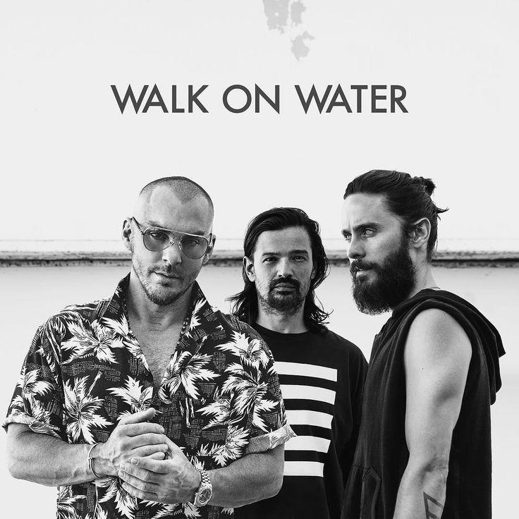 Триумфальное возвращение: Джаред Лето представил новый сингл группы 30 Seconds to Mars  30 Seconds to Mars во главе с Джаредом Лето возвращаются после четырехлетнего перерыва с новой композицией под названием Walk On Water.