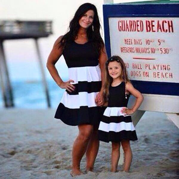 Mom and daughter dress b&w