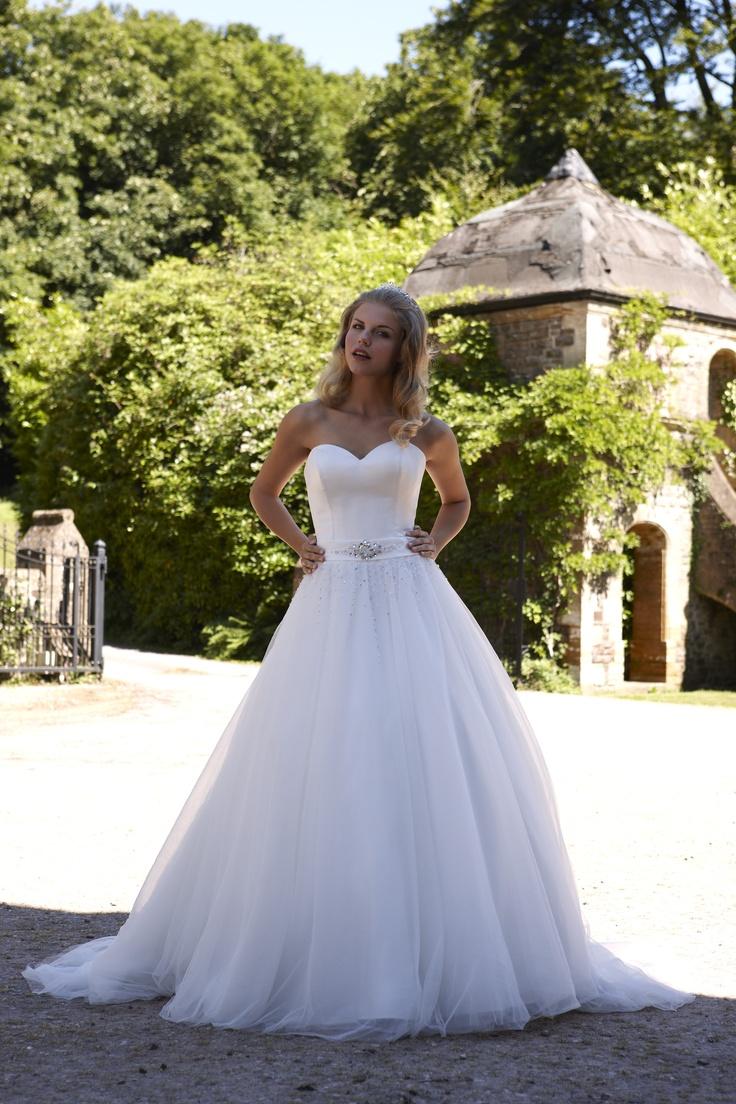 1000  images about Wedding Dresses on Pinterest  Jasmine Home ...
