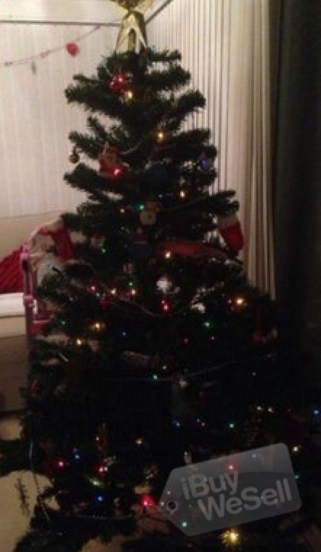 http://www.ibuywesell.com/en_GB/item/6ft+Christmas+tree+-England+-+Bolton/54195/