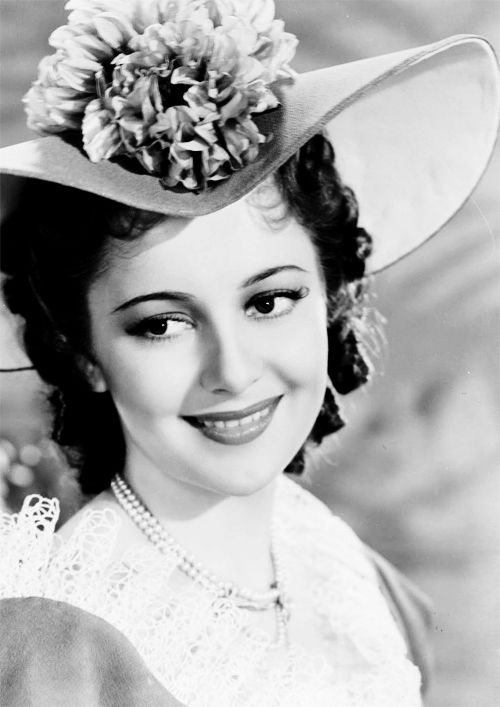 Olivia de havilland as of 2015 aged 99 she is the Who is the oldest hollywood actor still alive