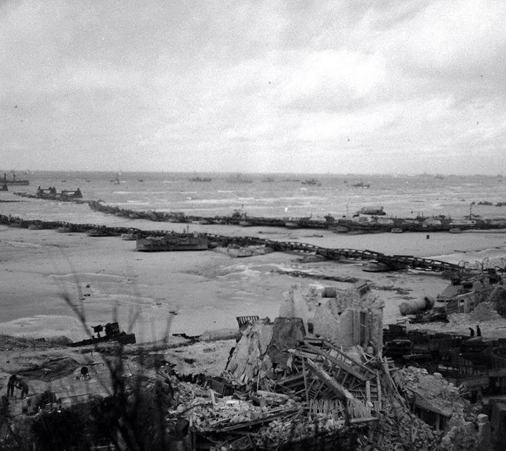 Omaha Beach après la tempête de juin 1944.