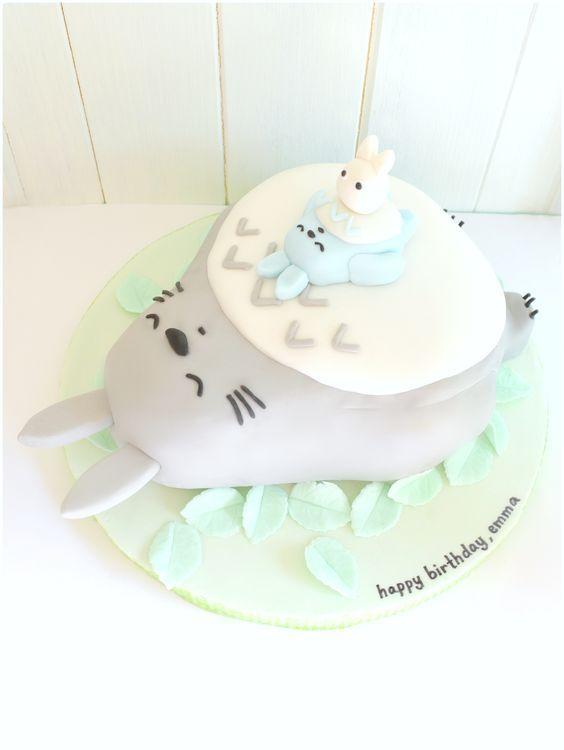 Sleeping Grey Totoro, Mini White and Blue Totoro Birthday Cake Cherie Kelly London