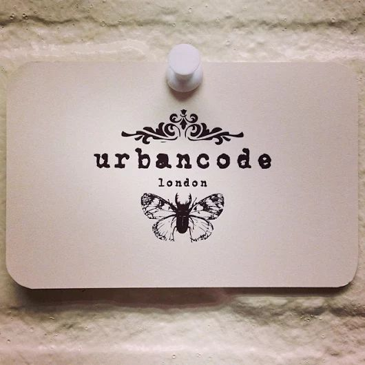 Urbancode - бренд, показавший совершенство современных материалов. Их искусственные шубы согреют лучше любой норки не только тело, но и совесть.  Заинтригованы? Тогда вам сюда: