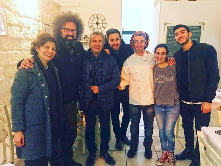 Ancora una bella serata in compagnia di #bellagente.  #simonecristicchi #antoniomaggio #teatroitaliano #lamantagnata #melendugno #nuovocinemaparadiso #ristorantilecce #salento #salentoesoncontento