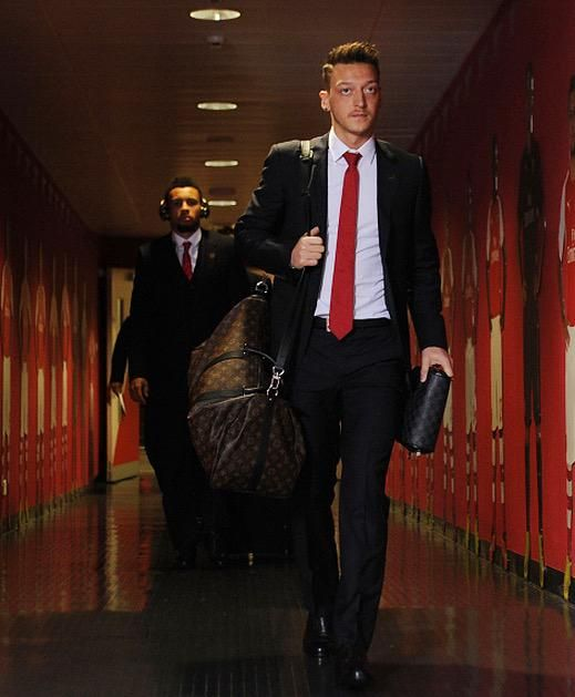 HE'S BACK! Mesut Özil return to the squad for the first time since 5th October #AFCvSCFC 11.01.2015 #footballislife