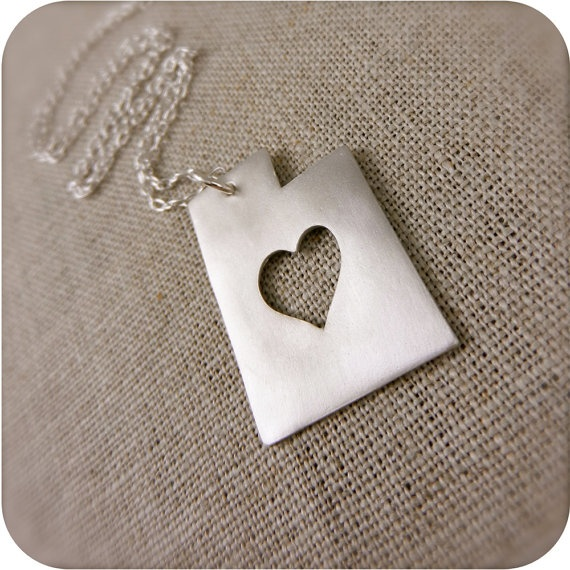 Utah state necklace in silver