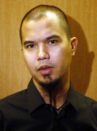 Profil dan Biografi Ahmad Dhani - Musisi Indonesia Terkenal