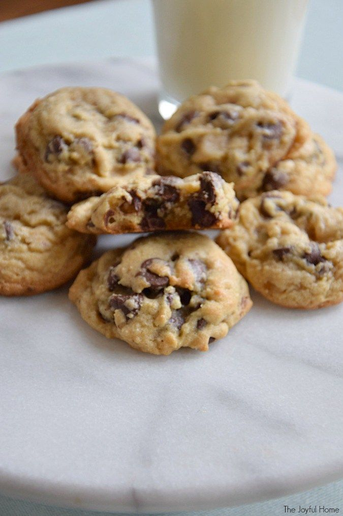 I have a treat for you today! These Better Than Toll House Cookies are going to change your chocolate-chip-cookie-eating life.
