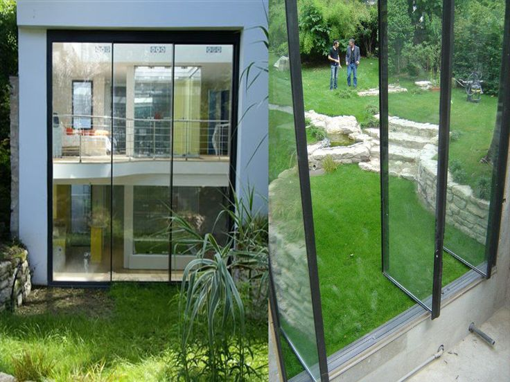 Very high pivoting doors installed in the heart of Paris. This project has the distinction of being equipped with carbon fittings specially developed by Vitrocsa to enhance wind resistance. Vitrocsa Products 3001 pivoting door