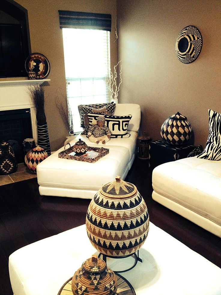 Thank you Elizabeth for sharing pictures with us of your amazing home and collection of Zulu Ilala Palm Ukhambas and Ugandan Bukedo and Raffia bowl (on wall at back right).