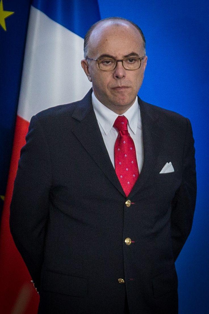 Cazeneuve a posé la première pierre de l'Institut français de civilisation musulmane!