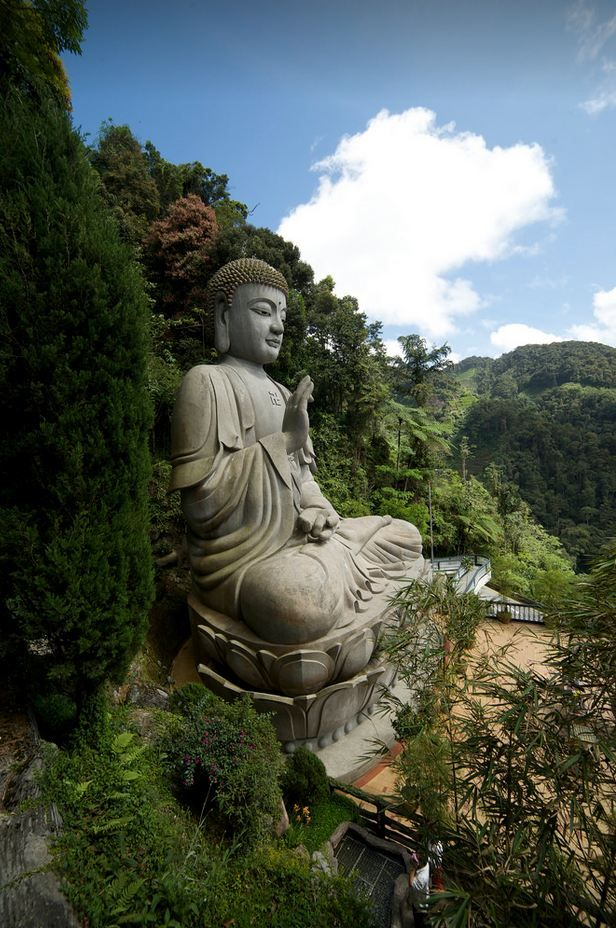 Giant Buddha statue at Genting Highlands / Malaysia (by Martin...