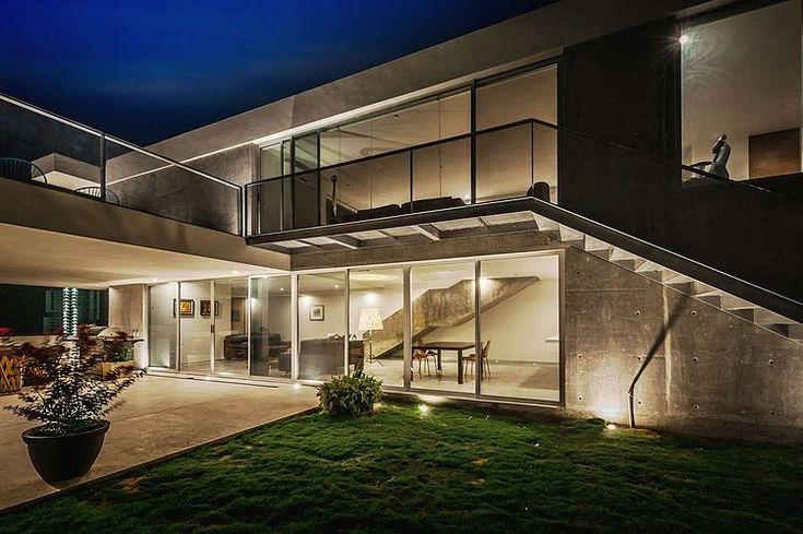 Casa Ipe By P 0 Architecture Homeadore Architecture House Architecture Design