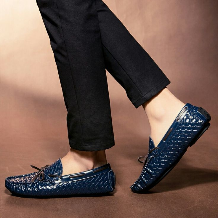 US $30 New Arrival Breathable Moccasins Men Tassel Loafers Gentlemen Slip-on Dress Shoes Flat Driving Loafers Urban Exotic Stylist