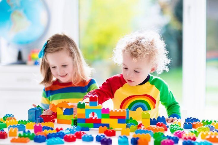 Misiunea unui copil în primii ani de viață este de a se juca. Asta este felul lui de a descoperi lumea în care au ajuns, prin joacă.