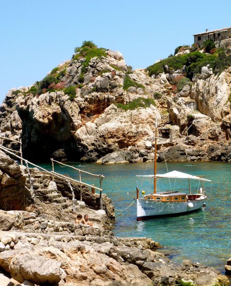 Cala Deià - by Mar y Roc Mallorca Wandern. www.maryroc.de