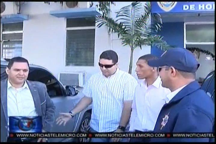 """Policía Interroga Otra Vez Al Mayor Del Ejercito Vinculao En Caso Percival, Lo Trasladan """"Sin Esposas"""" Al J2 Del Ejercito"""