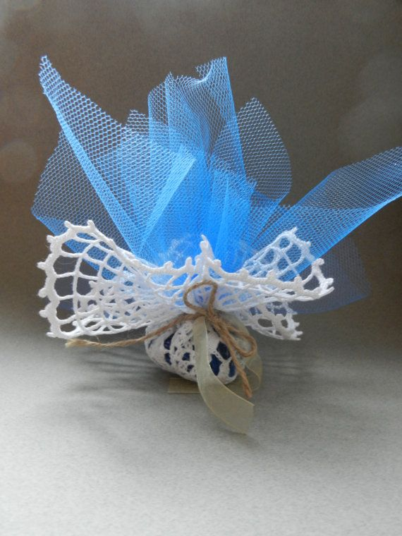 Crochet doilies made favors by Ideeinfilo on Etsy Bomboniere