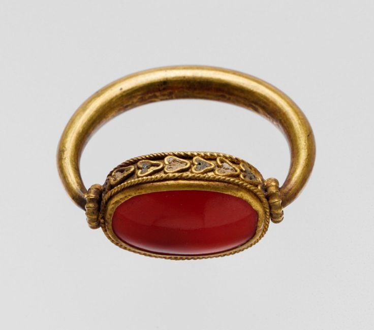 Gold ring with plain carnelian scaraboid, Greek, Classical period, 5th century BC