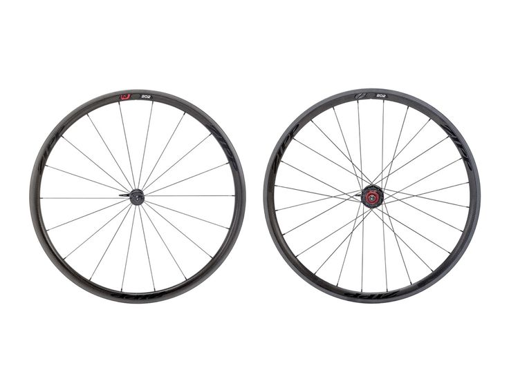 Zipp 202 Firecrest wheels.
