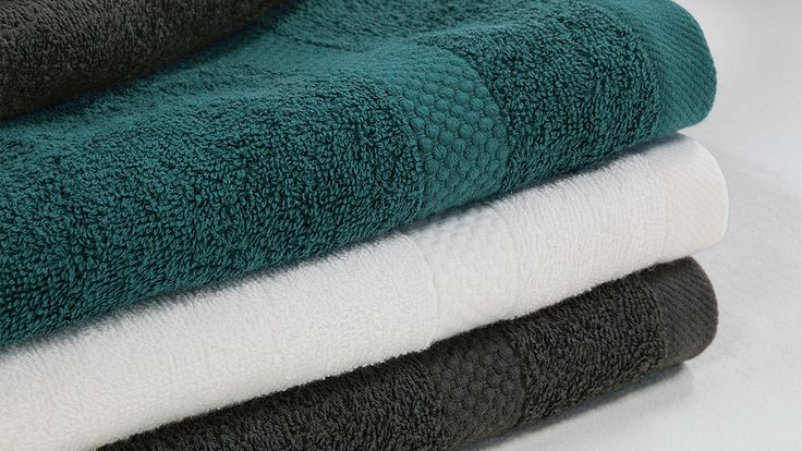 """Unser Handtuch """"Secado"""" ist nicht nur schön anzusehen, es besticht auch mit besten Eigenschaften. Die weiche und hochwertige kbA-Baumwolle verleiht """"Secado"""" einen angenehmen Griff. Die Herstellung dieses Handtuches oder Seiftuches findet in einem GOTS-zertifizierten Betrieb statt."""