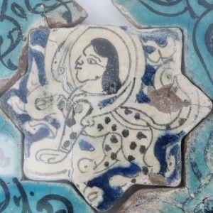 Karatay Medrese, Konya : Single Tile Motifs with Cross Tiles – Haç Karo ile Tek Karo Motifleri-Mythical Animal Designs – Efsanevi Hayvan Motifleri