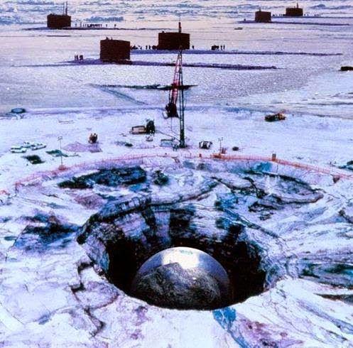 UFOS ONLINE: Oficial Russo: Existem Máquinas Extraterrestres sob as Calotas Polares