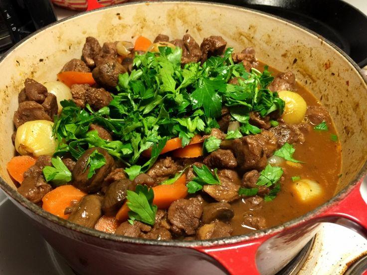 Vegetarisk boeuf bourguignon | Jävligt gott - en blogg om vegetarisk mat och vegetariska recept för alla, lagad enkelt och jävligt gott.