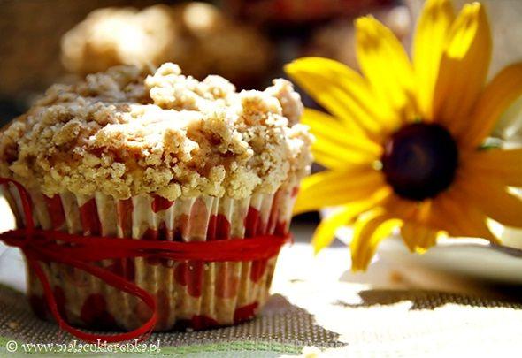 Muffiny z malinami i kruszonką - Mała Cukierenka