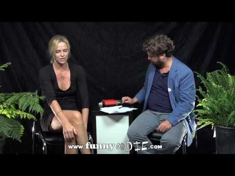 Чел интервьюирует знаменитостей между двумя папоротниками (Between Two Ferns with Zach Galifianakis)