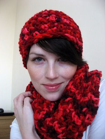 crochet winter set Chilli hat and scarf