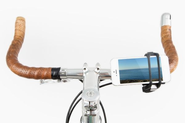 The Handleband Bike Mount - A sturdy silicone and aluminum smartphone mount for your bike. ($19.00, http://photojojo.com/store)