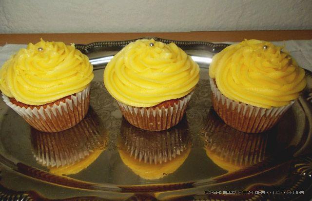 Τα γλυκά με λεμόνι ειναι τα αγαπημένα μου και φυσικά τα cupcakes με λεμόνι δε θα μπορούσαν να αποτελούν εξαίρεση στον κανόνα
