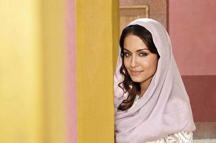 Hiba Abouk, de las revistas del corazón a estrella en 'El Príncipe' http://www.elcomercio.es/multimedia/fotos/gente/20140319/hiba-abouk-3073822329999-mm.html?edition=