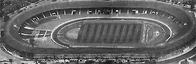 Conocido comúnmente como White City, con una capacidad para 70.000 espectadores, fue el estadio más importante y con mayor capacidad del mundo hasta 1923, cuando se inauguró Wembley; además el primero en la historia en ser construido a partir de la organización de un evento. Estadio olímpico de Londres [1908] y sede de la Copa del Mundo 1966, fue la casa de Queen Park Rangers. En 1984 fue demolido y construidos en su lugar los estudios de la BBC