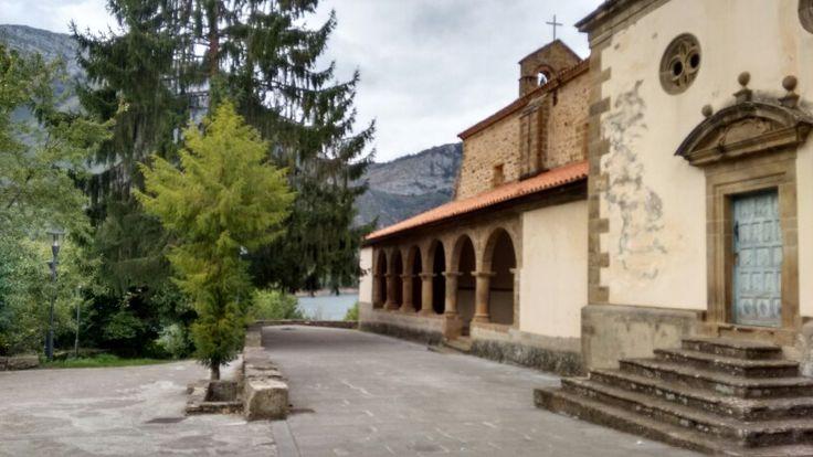 Colegiata Santa   Maria de Tanes