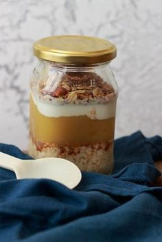 Apple Cinnamon Overnight Hafer mit knusprigem Zimtgranola   – Lunch mitnehmen