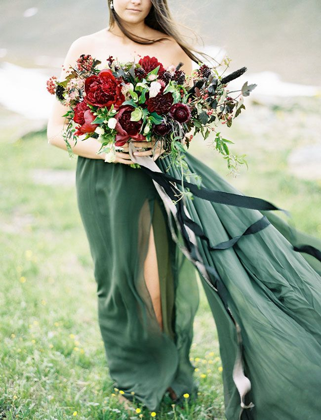 Christmas green gown and a deep red bouquet! Beautiful!