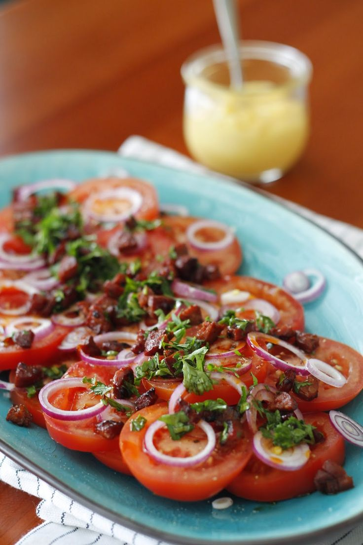 Tomatsalat med chorizo / tomato salad with chorizo