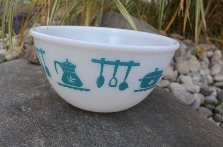 Vintage Hazel Atlas nesting bowl, Kitchen aid, turqouise , 50s kitchen, milk glass bowl, 8 inch, mcm kitchen by Nuttygalsvintage on Etsy