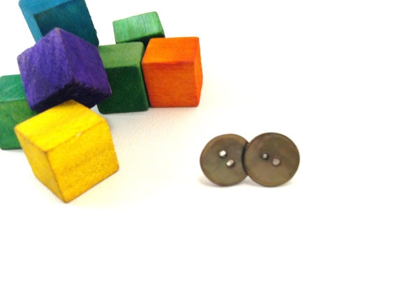 Green shell button earrings
